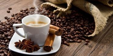 Kathai: caffè macchiato con latte